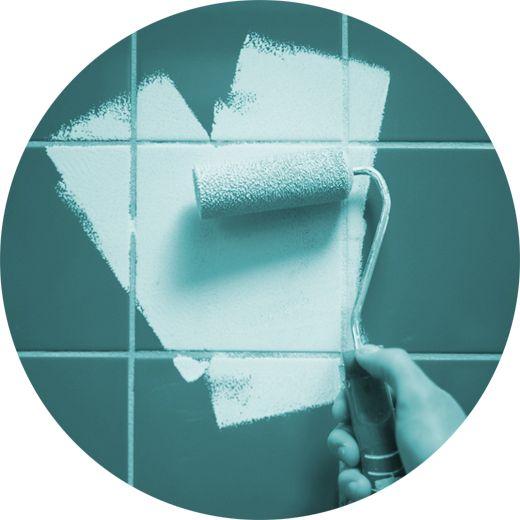 Se pretende pintar os azulejos da cozinha ou casa-de-banho, siga a nossa recomendação. Verá que, sem grandes obras, consegue ter um espaço com uma nova imagem.