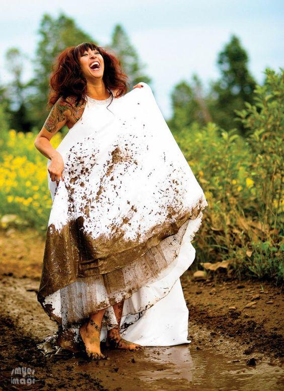 i love the idea of the trash the dress photos