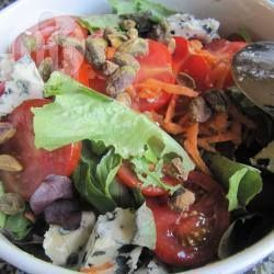 Salade au bleu et à la pistache @ allrecipes.fr