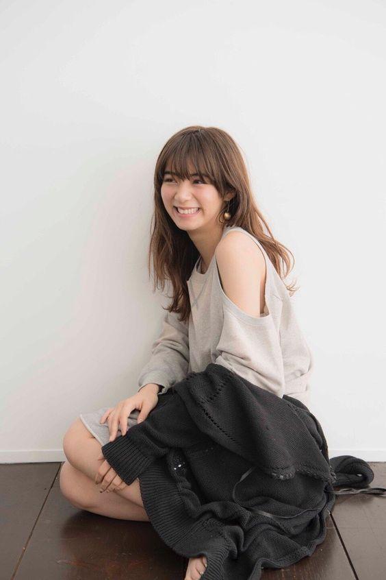 肩出しスタイルの池田エライザ