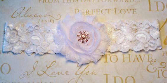 Snowflake garter Winter garter by BloomsandBlessings, $9.00