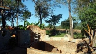 Der Bau unserer Natur -Poolanlage ist begonnen, die Fertigstellung ist für Juni 2013 angedacht.  http://leben-py.jimdo.com