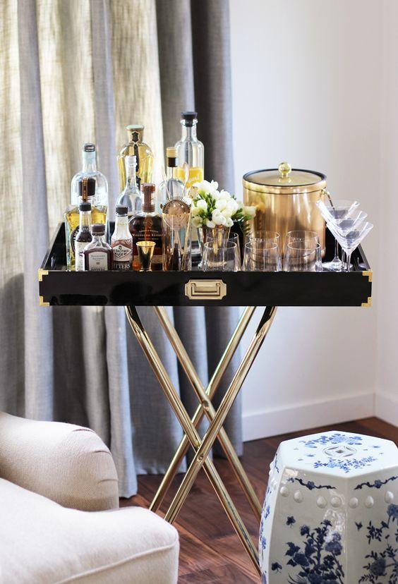 DIY Bar Cart via @HonestlyYUM