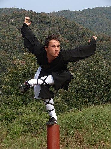 Kung Fu Eagle Style Training Shaolin Kung ...