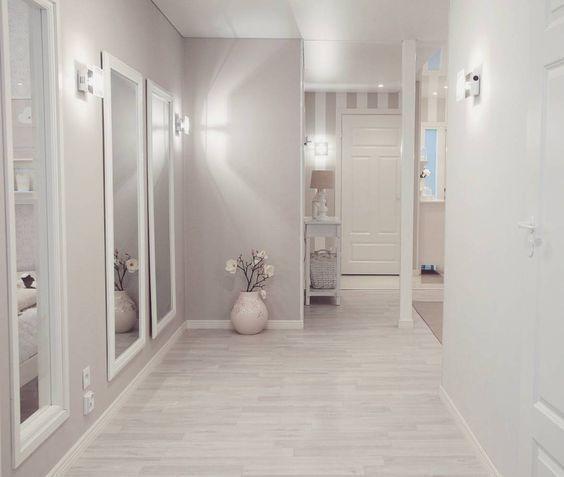 Tonos Claros En Paredes Y Puertas Blancas Para Reformar Pisos En Alquiler O Casas Modernas Interiores Interiores De Casas Pequenas Decoracion Entradas De Casa