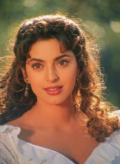 Pin By Neha Ranjan On Divas Juhi Chawla Most Beautiful Indian