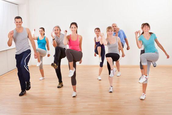 ***¿Cómo Respirar al hacer Ejercicios Aeróbicos?*** Aprende cómo respirar al hacer aeróbicos para poder potenciar los resultados de la actividad sin poner a riesgo tus energías ni tus músculos.....SIGUE LEYENDO EN...... http://comohacerpara.com/respirar-al-hacer-ejercicios-aerobicos_12693a.html