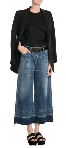 Der Hosentrend der Saison? Ganz klar: Culottes! Bei Citizens of Humanity natürlich aus verwaschenem Denim für einen lässigen Look #Stylebop