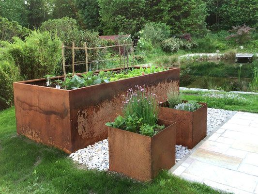 Good Photos Raised Garden Bed Steel Popular Elevated Boxes Are Best For Growers Who Ve Very Poor Ga Mit Bildern Hochbeet Aus Metall Erhohte Beete Eingezaunter Gemusegarten