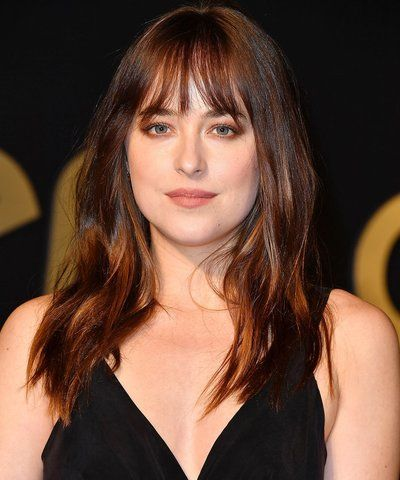 Dakota Johnson: Oval Face