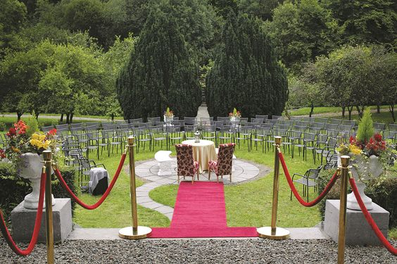 Boyne Hill House Estate, Meath, Ireland. Looking for a wedding venue in Ireland? SmartGroom's directory features the best of Ireland's premium venues... #weddinginIreland #BoyneHillHouse #weddingvenue