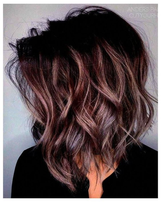 medium hairstyles for wavy hair