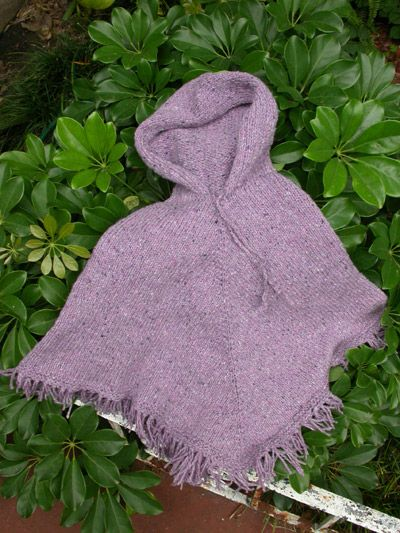 Easy Knitting Pattern For Baby Poncho : Free child s poncho knitting pattern hooded