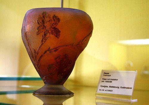 Veste Coburg museum: Art Nouveau vase with iris flowers by… | Flickr