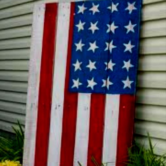 American flag made with pallet