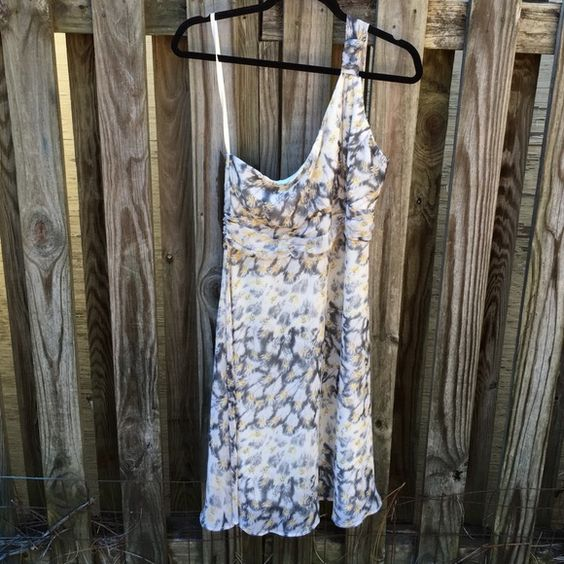 NWT Romeo & Juliet Coture one shoulder dress SIZE: Medium  MATERIALS: 100% polyester  DETAILS: Colors- Grey, Yellow, and white pattern - floral multi  Style: RJINT1093 Pet and smoke free home! Romeo & Juliet Couture Dresses One Shoulder