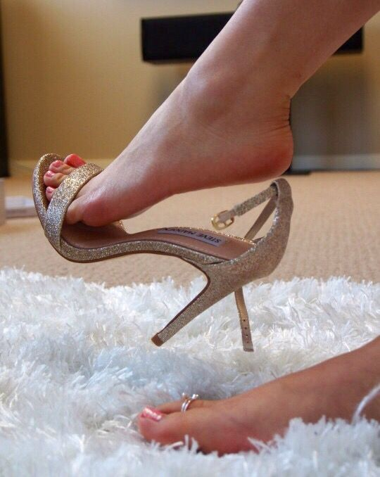 classy women and sexy feet