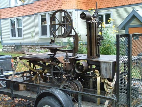A Parks Mill Special. Really cool old machine. Would be fun to try and restore. I don't know anything about it, but appears to be a Woodworking machine.