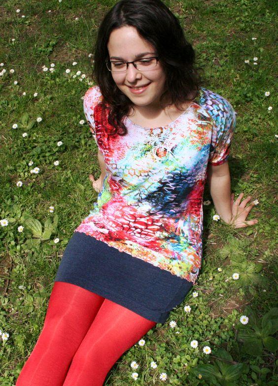 el Benschi: Kurzes buntes Easy-Peasy-Shirt