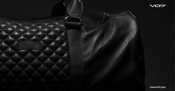 VO7 ORY: Voguez avec style!   A l'approche des vacances d'hiver, les préparatifs vont bon train, et si vous portez une attention particulière au choix de vos tenues, elle doit en être tout autant pour celui de votre sac de voyage. [...] Portez le style à bout de bras, sans faire abstraction de la qualité, c'est ce que vous offre le VO7 ORY...  https://www.vo7.com/fr/sacs-et-bagages/841-vo7-ory-3662948021515.html