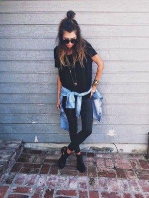 all black con blusa mezclilla