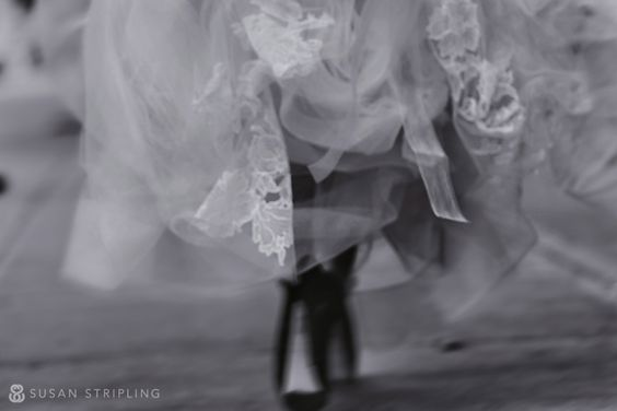 de l'art à mes yeux.: My Eyes, Robyn Colin, Wedding Dress, Details Beautifully, Creative Photography