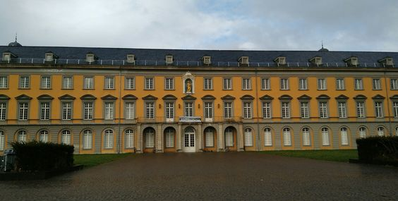 6 recomendaciones que no podéis dejar de visitar en #Bonn (#Alemania). Mirad el punto 3, donde nació #Beethoven: http://bit.ly/1XKb9Sf