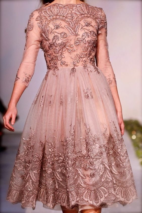 beautiful blog but clearly for those who can appreciate couture and runway shows. (chiffon et ribbons)