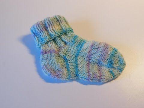 Babysocken stricken - Von Bund über Ferse zur Sockenspitze.                  Das Video hat es mir wirklich einfach gemacht meine ersten Babysocken zu Stricken.