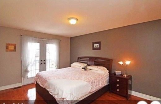 Beautiful Furnished Rooms For Rent Close To Square One Mississauga Ca Rooms For Rent Room Rent
