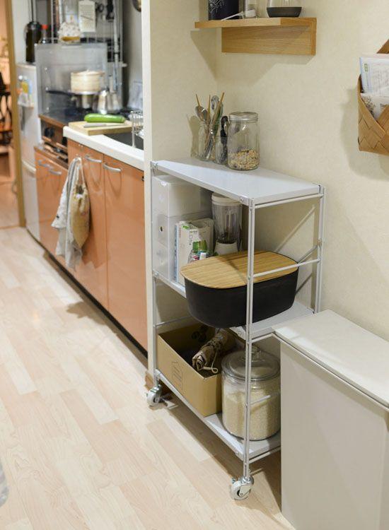 狭い作業台を広々と キッチンの救世主 無印良品の 動く 棚って キッチン キッチン Diy 作業台 キッチン