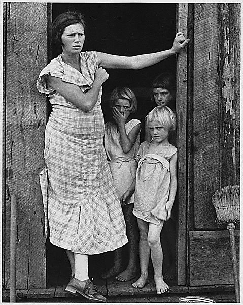 Wife and children of a sharecropper in Washington County, Arkansas, c. 1935.: