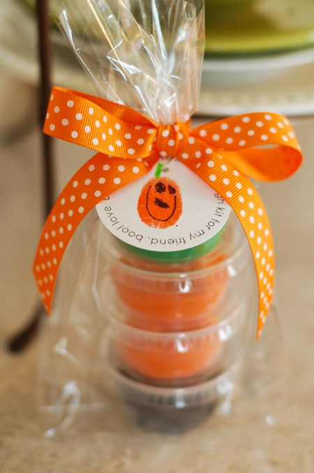 cute playdough party favor from {all things simple}