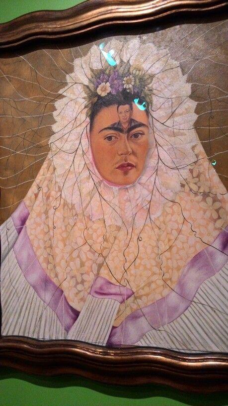 """Quadro de Frida Kahlo, exposição """"Frida Kahlo conexões entre mulheres surrealistas no México"""" acontecendo  no Rio de Janeiro em janeiro de 2016. Foto:Virgínia Mayrinck"""