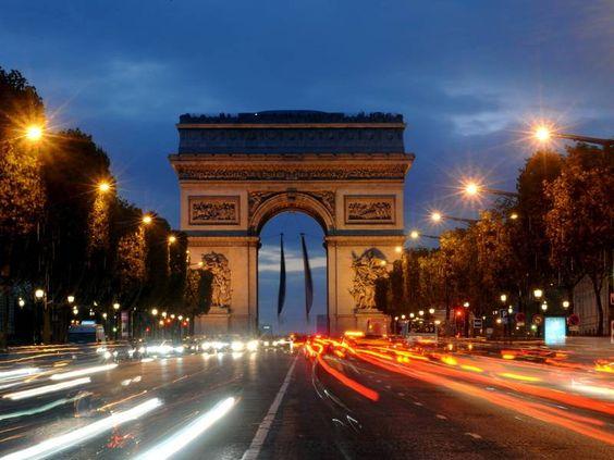 Romantisches Wochenende in Paris - inklusive 2 Übernachtungen im Boutique-Hotel an der Champs Elysées und 4 romantischen Erlebnissen. Mehr Infos: http://www.itravel.de/Frankreich/Romantikwochenende-in-Paris/5359/?utm_source=Pinterest&utm_medium=Socialmedia&utm_campaign=Pinterest