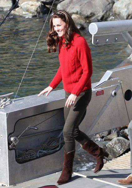 Catherine, Duchess of Cambridge arrives to head out on a fishing trip with Skidegate youth centre children during the Royal Tour of Canada on September 30, 2016 in Haida Gwaii, British Columbia, Canada.: