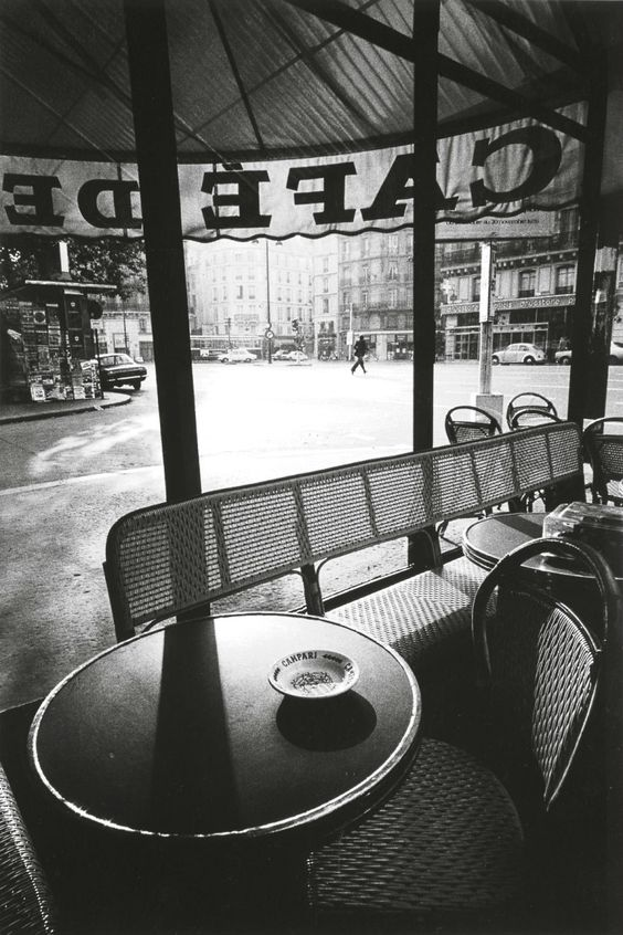 mimbeau:   Café de Flore early morning Paris 1975 Jean-Loup Sieff: