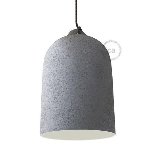 Realizada y decorada íntegramente en Italia, perfecta sobre una mesa o una barra de bar. La decoración con efecto cemento es la tendencia de 2016, perfecta para entornos con diseño minimalista.