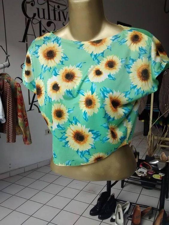 Blusa de girasoles  Talla chica $120.00