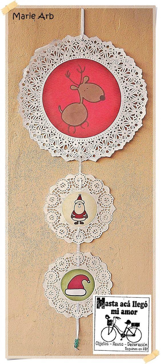 Movil de blondas de papel blancas con imagen navideña en http://www.feriacentral.com.ar/item/movil-navideno-de-blondas-28688