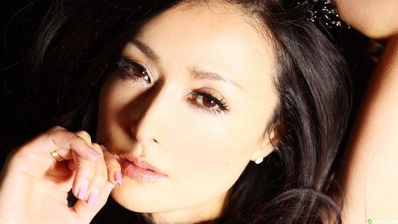 Kokusho Sayuri (国生さゆり) 1966-, Japanese Actress