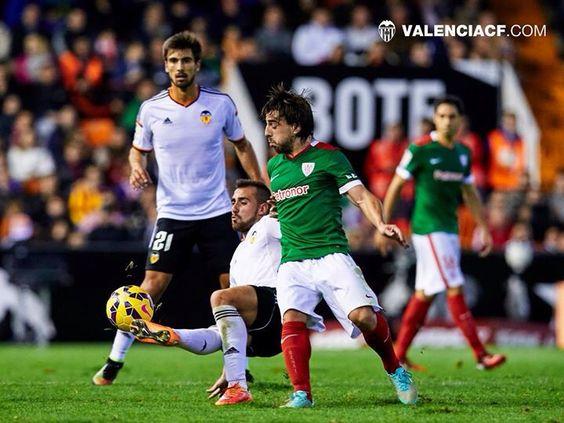 Alcacer y Andrea Gomes, Valencia CF 0 - 0 Athletic de Bilbao, 09-11-2014.