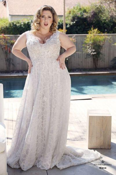 Curvy Enchanting Plus size wedding gowns | Plus size wedding