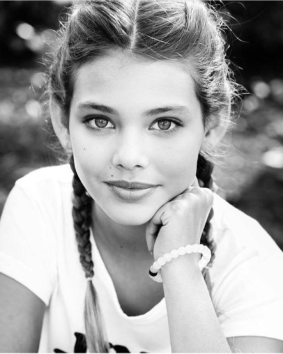 Laneya Grace (@official_laneya_grace) photographed by Isa Battaglin (@lillykphotography). by modelsmundo