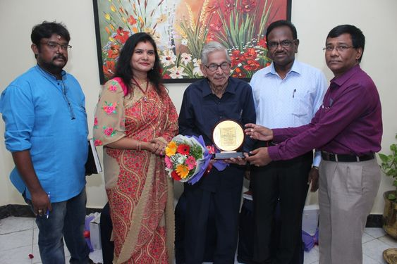Artist Gayathri Raja (Painting) Partout Fleurs Art exhibition 2019