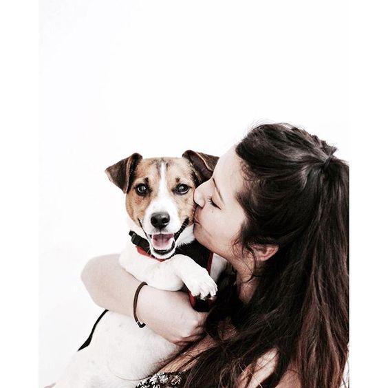 #ABOUTKISURA // Say hi to our lovliest office dog Meilo and his mummy Karen  Hole Dir Dein individuelles Outfit Deines persönlichen Stylisten auf on.kisura.de/21jkB0t !
