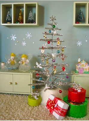 Jenn Ski: holiday (great site) DIY tree