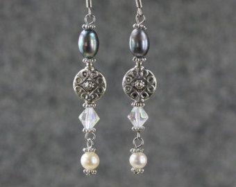 Perla y encanto lineal largo colgando pendientes regalos damas de honor nos envío gratis hechas a mano diseños de Anni