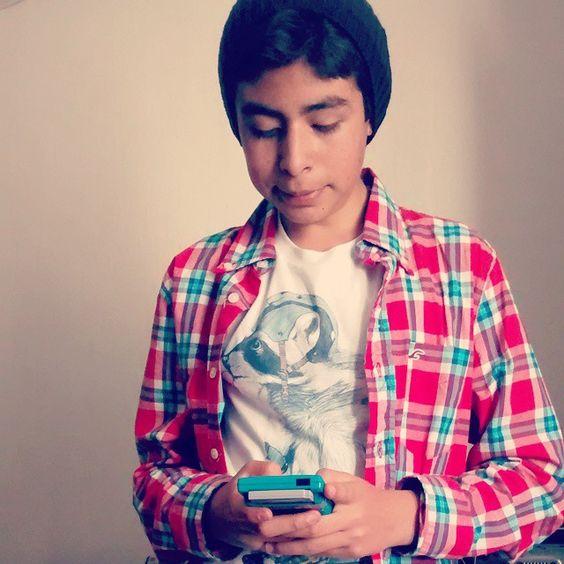 abdul_montiel Jugando un rato esperando para salir #gameboy