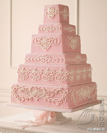 what a beautiful wedding cake